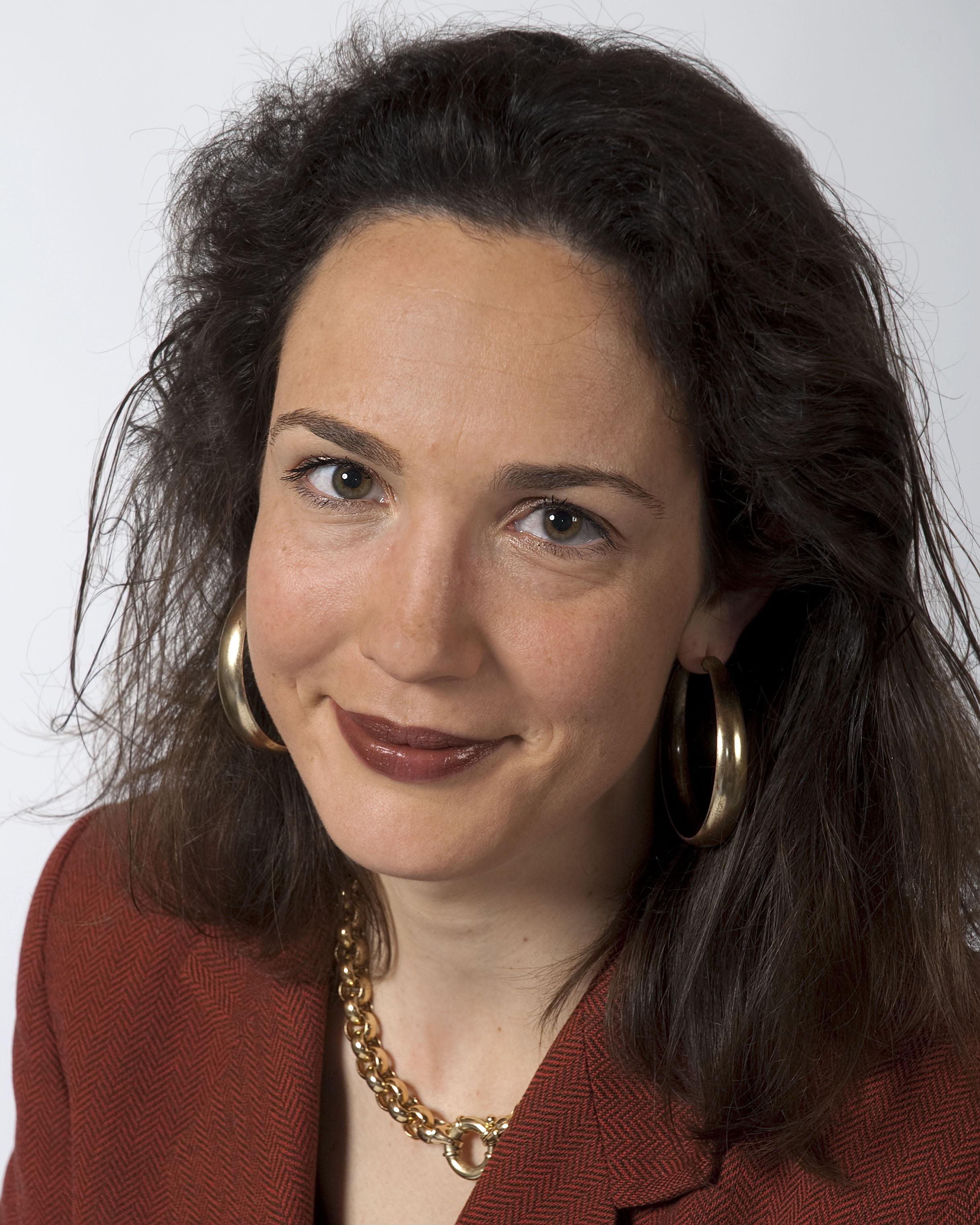 Dr Sarah Nouwen